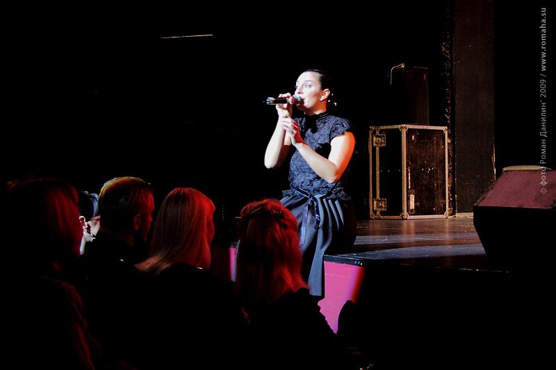 Елена Ваенга. Концерт Золотая рыбка. Театр Эстрады, 15 января 2009 года © фото Роман Данилин' 2009 / www.RomanDanilin.ru