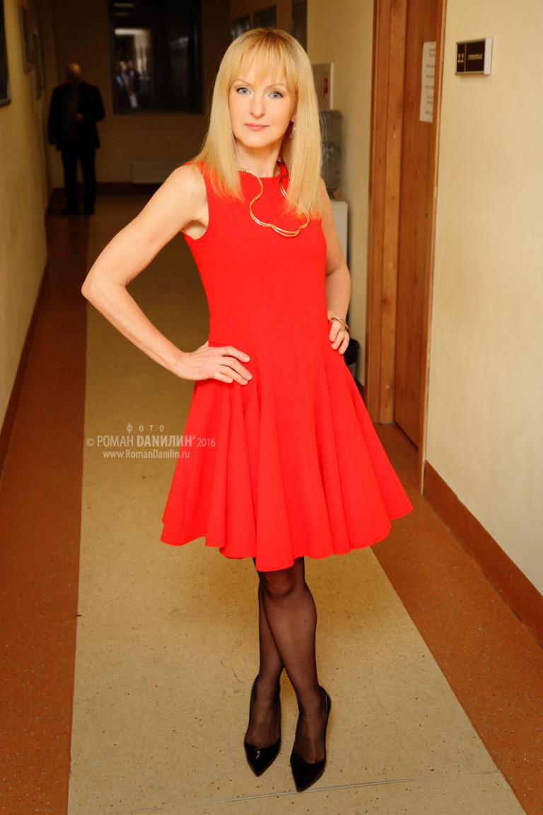 Светлана лазарева фото певицы