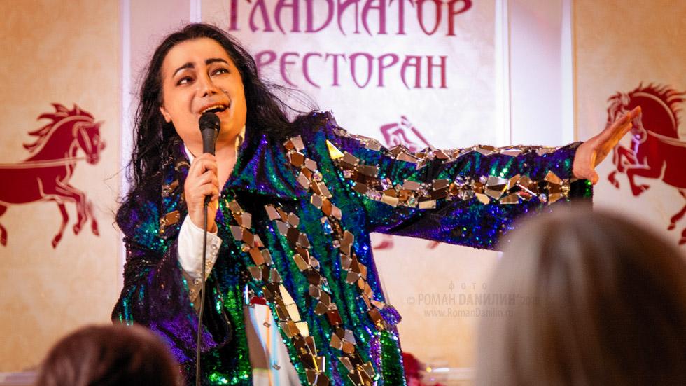 """Игорь Наджиев, концерт """"С Днём рождения!"""" 16 ноября 2019 © фото Роман Данилин' 2019 / www.RomanDanilin.ru"""