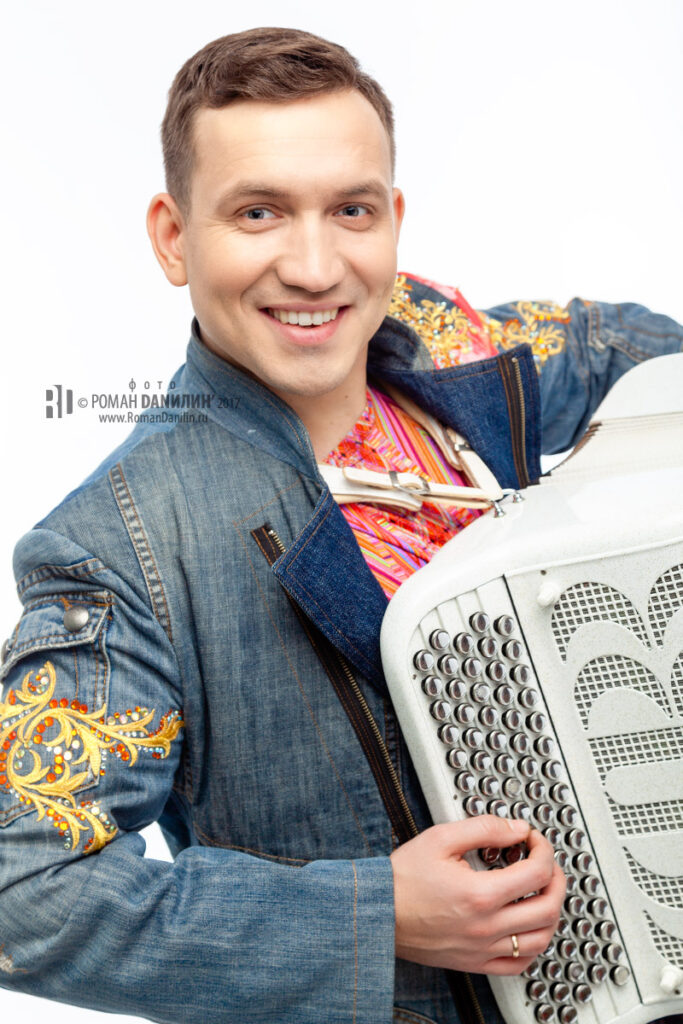 "Михаил Дроков. Дуэт ""Свои"" © фото Роман Данилин' 2017 / www.RomanDanilin.ru / +79067684868"